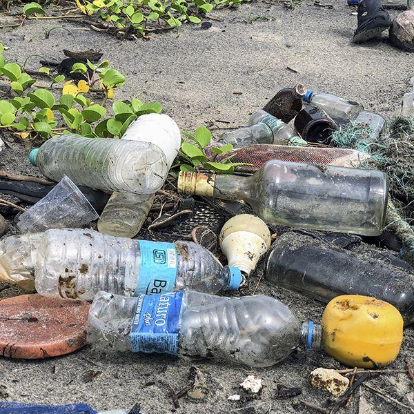 Plastico en el mar